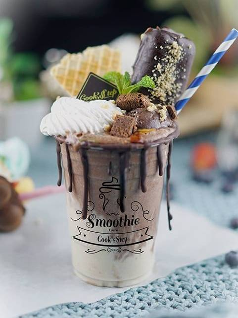 Chocolate Milkshake by Cook's Step