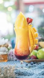 Mango Raspberry Smoothie by Cook's Step