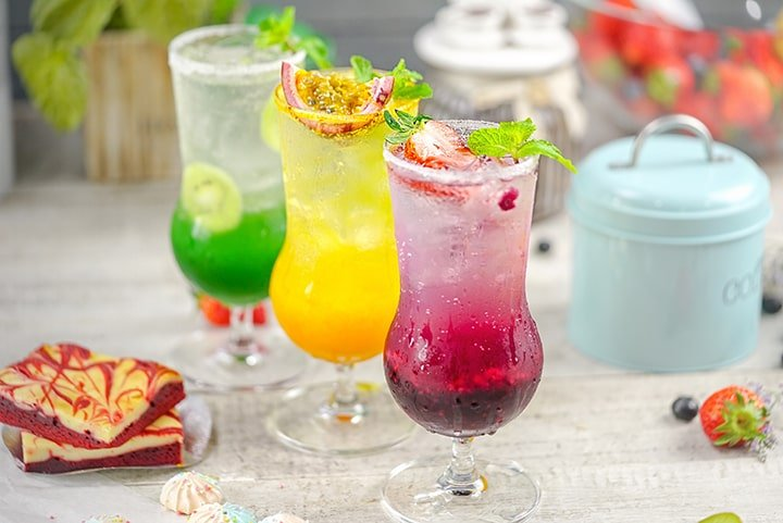 Orange, strawberry and kiwi italian soda by Cook's Step