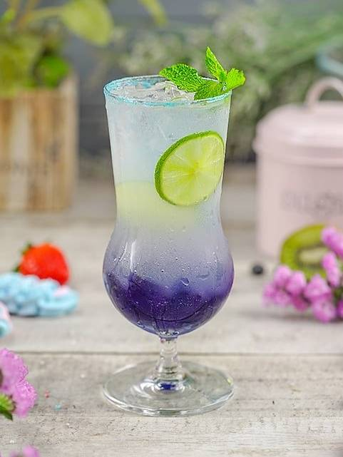 Pea flower italian soda by Cook's Step